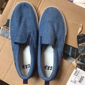 Gap boys size 3 denim blue slip on sneaker